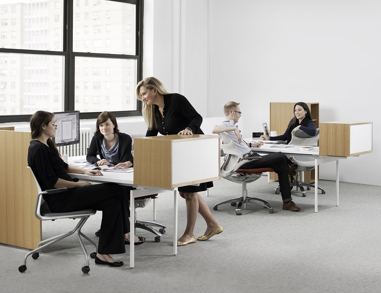 Antenna® Workspaces with Storage and L Screen and Generation and MultiGenertion by Knoll