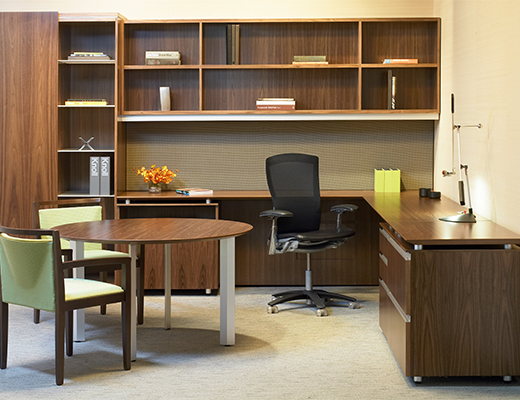 AutoStrada Private Office with wall storage
