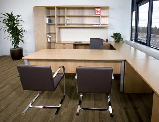AutoStrada private office with Brno Flat chairs