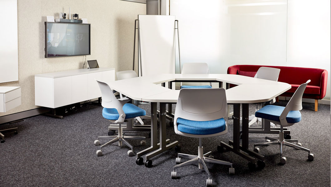 Knoll Shared Spaces Team Meeting with Pixel Tables and Ollo Chairs