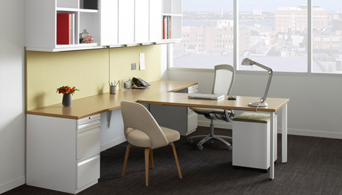 AutoStrada® with Calibre® Storage, Life® Task Chair and Saarinen Executive Chair