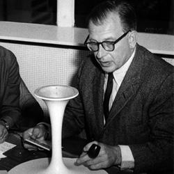 Knoll Designer Eero Saarinen
