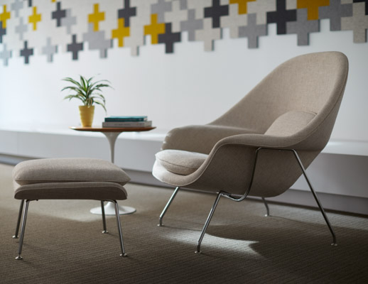 saarinen knoll Boston showroom womb chair with ottoman saarinen side table filzfelt