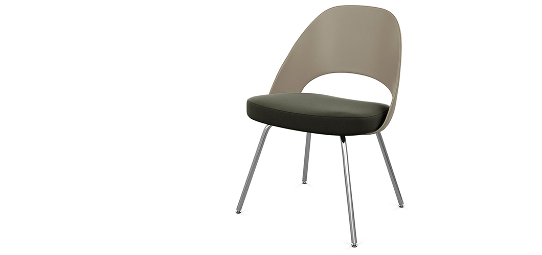 Saarinen Executive Chair with Plastic Back and Tubular Legs