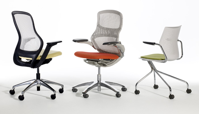 Knoll offers a full range of comfortable, thoughtfully designed seating for every application, from classroom to faculty office