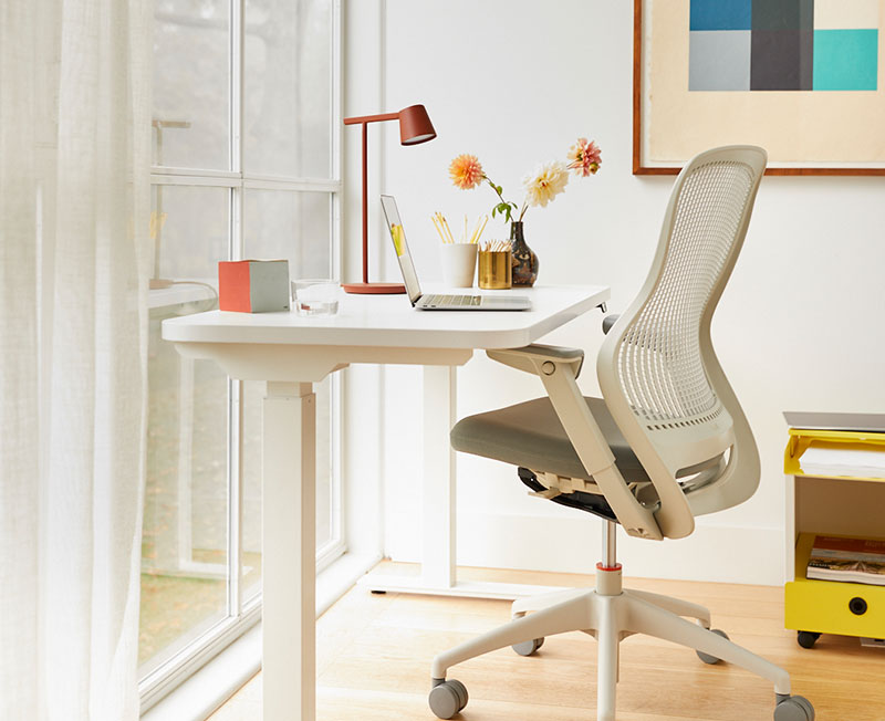 Healthy Habits Knoll and Muuto Holiay Gift Guide