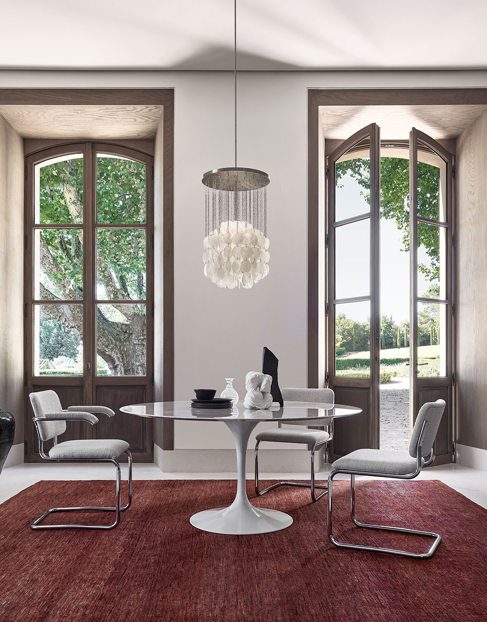 Knoll Dining Room Furniture Saarinen Dining Table with Cesca Chairs