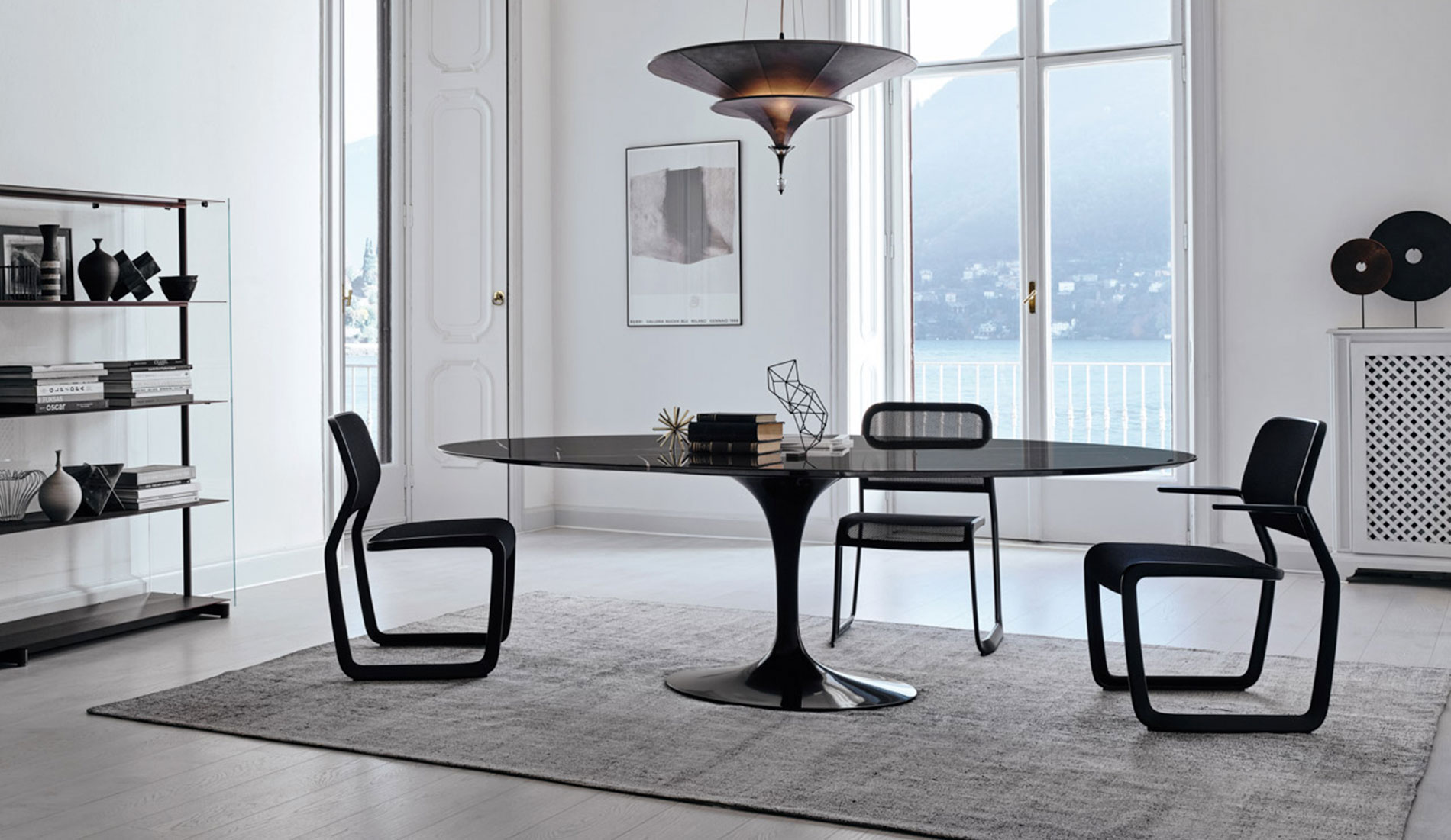 Knoll Dining Room with Saarinen Table and Newson Aluminum Chairs
