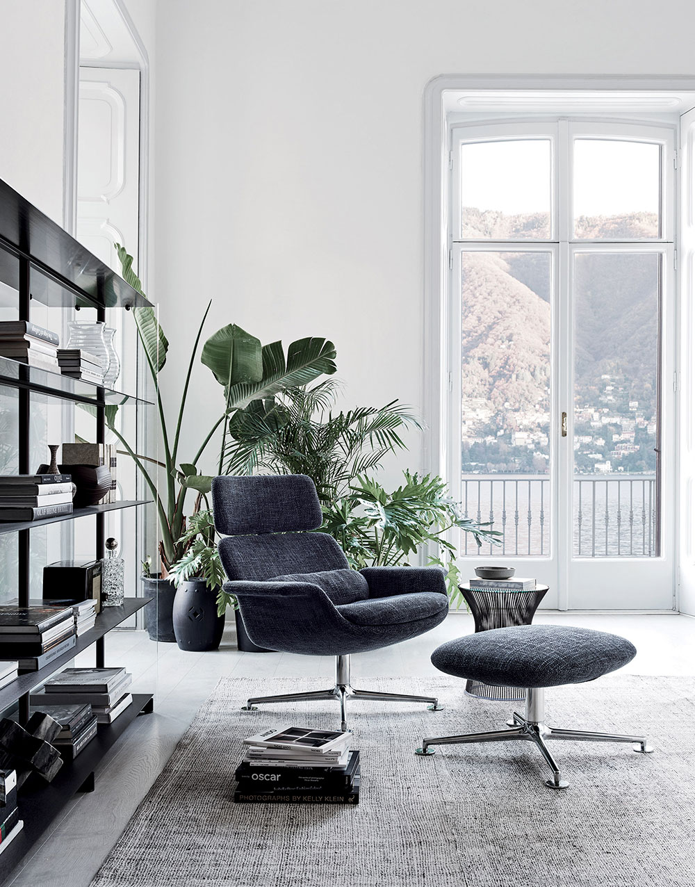 Knoll Living Room Furniture with KN02 Lounge Chair