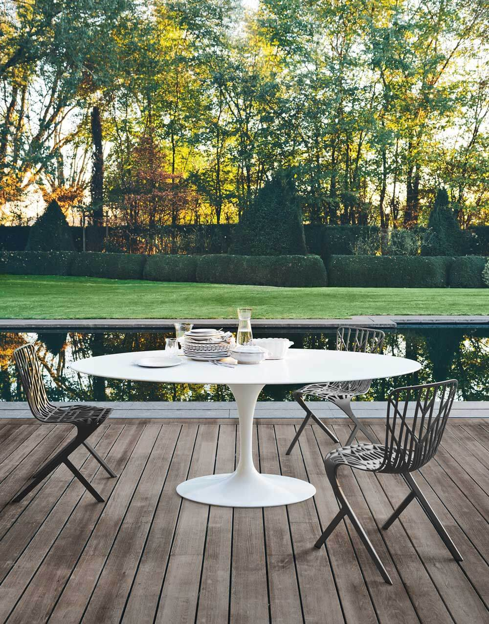 Knoll Outdoor Dining Furniture