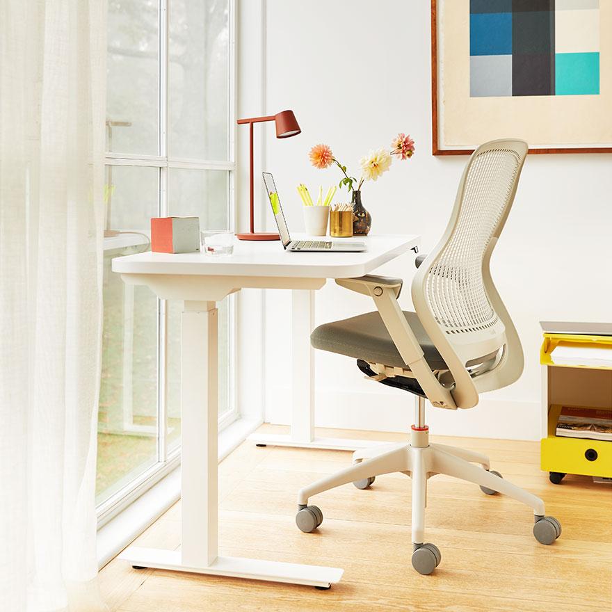 Shop Knoll Desks and Tables