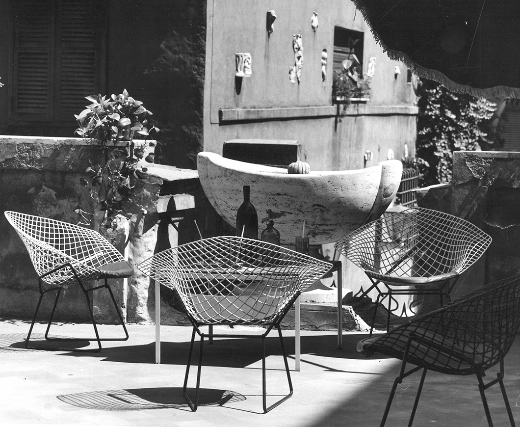 Bertoia Two-Tone Diamond Chairs in Rome | PC: Klaus Zougg/Knoll Archive | Knoll Inspiration