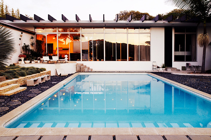 Michael Boyd's residence in Santa Monica, California | Oscar Niemeyer's Strick House | Knoll Inspiration