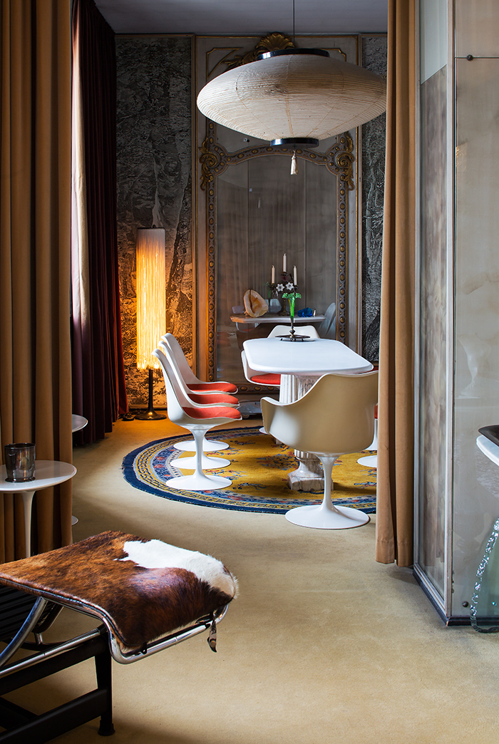 Casa Mollino as restored by Fulvio Ferrari | Eero Saarinen's Tulip Armless  Chair | PC: Bart Keggin | Knoll Inspiration