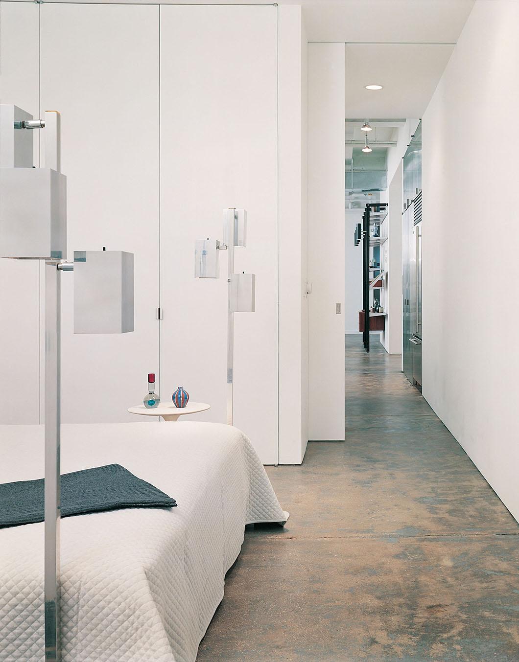 Chelsea Loft by Messana O'Rorke   PC: Elizabeth Felicella / Esto Photographics   Featured: Saarinen Pedestal Side Table