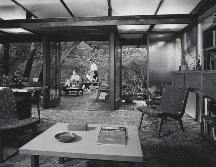 Photograph of Drake Residence by Julius Shulman, 1946 | Knoll Inspiration