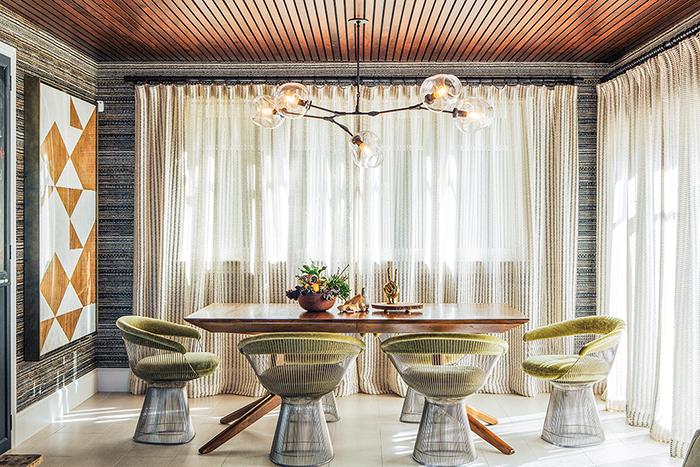 Meghan Tagliaferri's home in Long Beach, California   PC: Laure Joliet   Knoll Inspiration