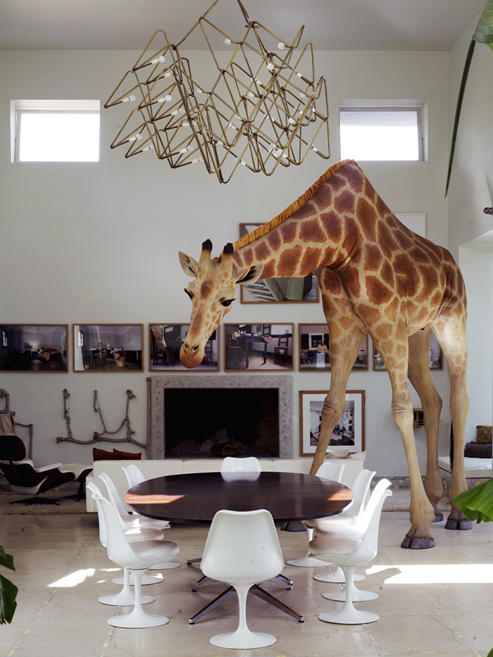 Jean-François Fourtou's residence in Marrakech, Morocco | Eero Saarinen's Tulip Chairs | PC: Richard Powers | Knoll Inspiration