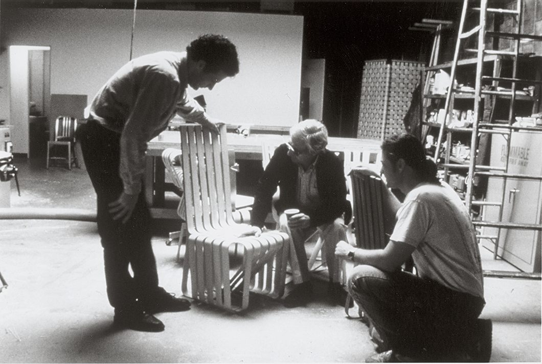 Frank Gehry working on the High Sticking™ Chair for Knoll, 1991 | PC: Knoll Archive | In Conversation with Paul Goldberger | Knoll Inspiration