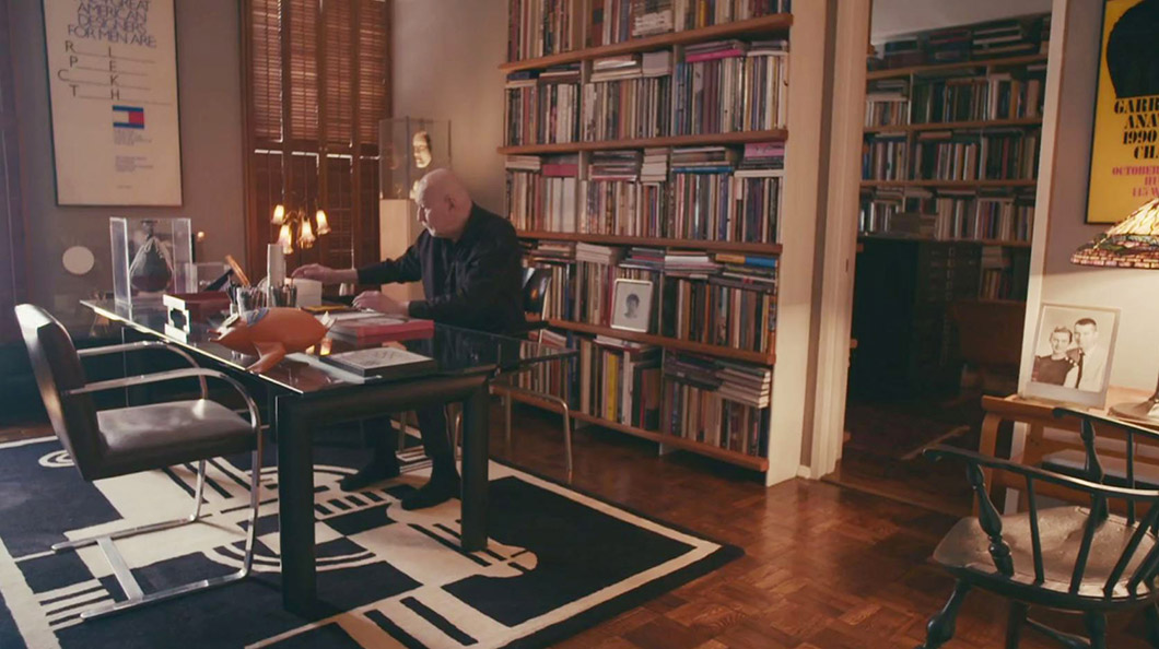 George Lois' Apartment | PC: NOWNESS | Featured: MR Chaise | Knoll Inspiration