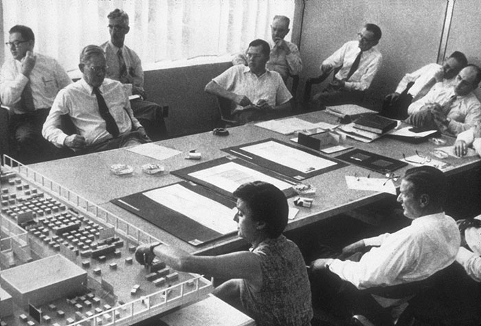 Florence Knoll and Hans Knoll with the Knoll Planning Unit