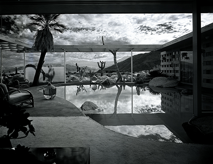Case Study House #20 by Julius Shulman