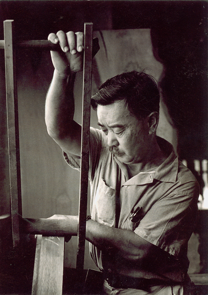 George Nakashima working at his studio in New Hope, Pennsylvania | Knoll Inspiration