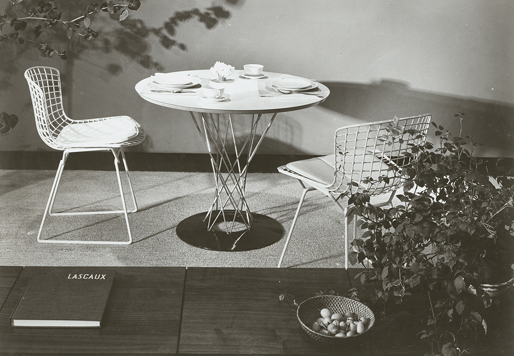 Promotional photograph of Bertoia Side Chairs and Cyclone™ Dining Table | Knoll Inspiration