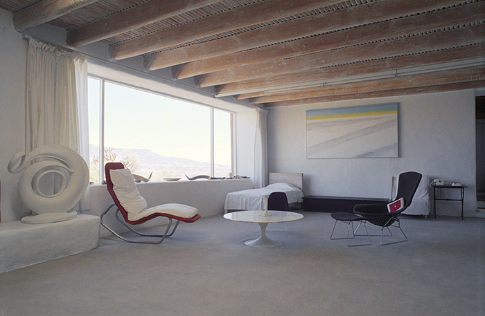 Georgia O'Keeffe in Abiquiú, New Mexico| Knoll Inspiration