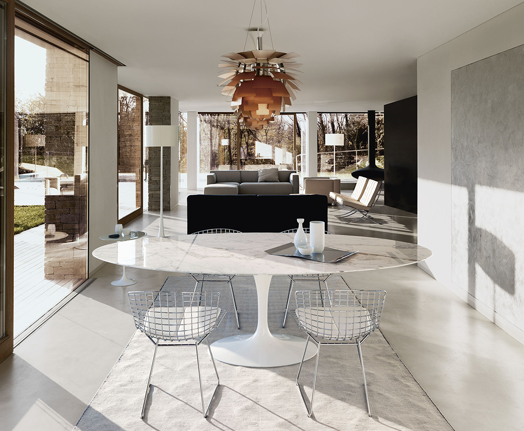 Marble-topped Saarinen Dining Table in a residential dining room | Knoll Inspiration
