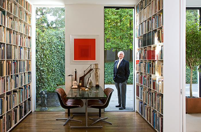 Hugh Newell Jacobsen in Washington, D.C. | Charles Pollock Executive Chair | Knoll Inspiration