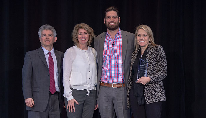 Knoll Wins JLL Supplier of the Year