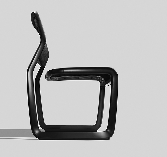The Newson Aluminum Chair Wins Metropolis Likes NYCxDesign Award 2018