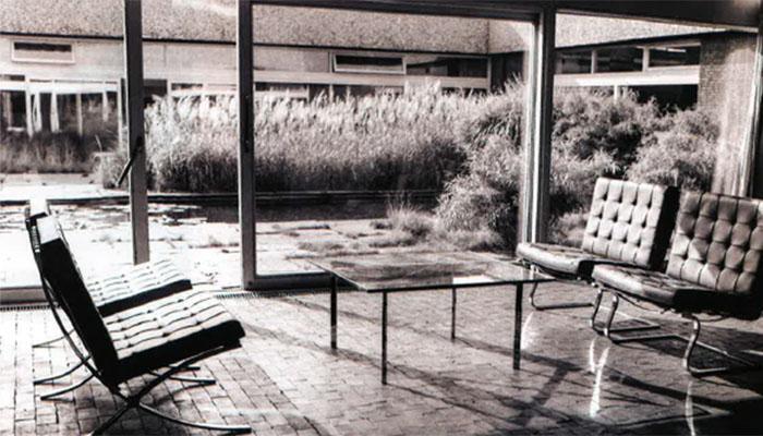 Atomic Ranch Mies van der Rohe