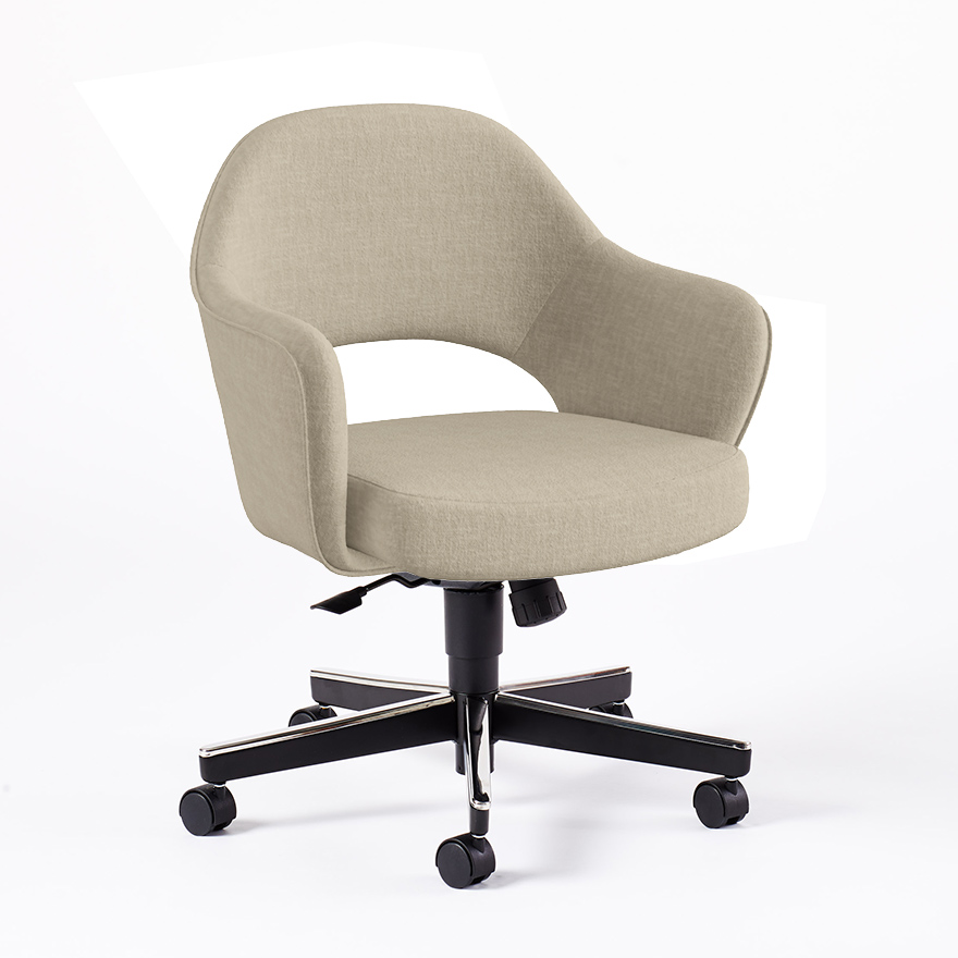Saarinen Executive Arm Chair with Swivel Base | Knoll