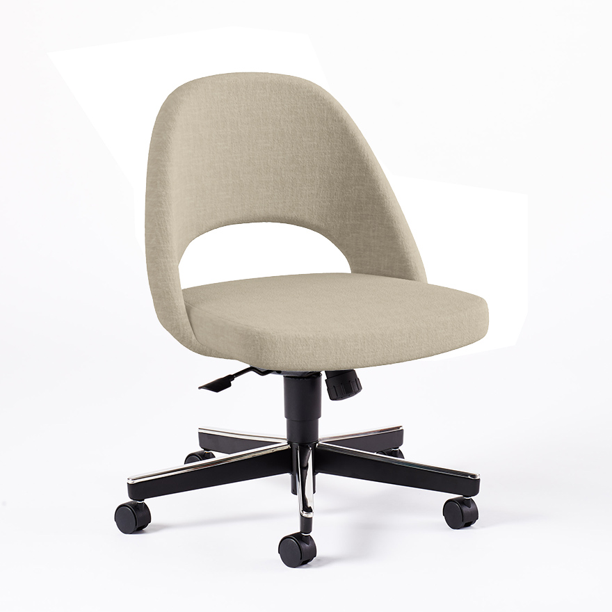 Saarinen Executive Arm Chair With Swivel Base Knoll