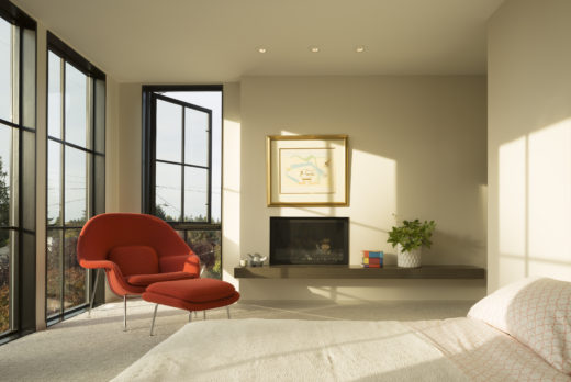A Saarinen Womb Chair In The Master Bedroom. Image By Lara Swimmer. Facade  The Defining Feature Of Magnolia House.
