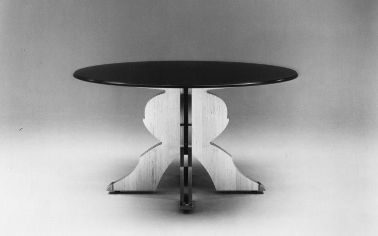Saarinen Executive Armless Chair Dp