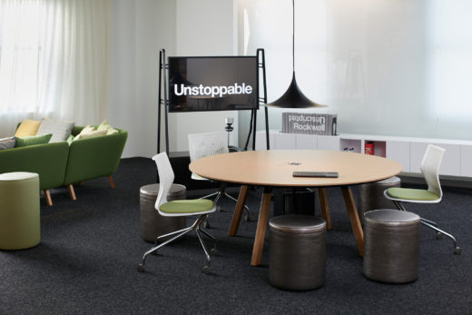 Unscripted Easy Table Round With Unscripted Storage Media Cart